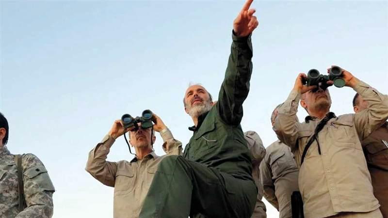 قادة من الجيش الإيراني يعاينون الخطوط الأمامية في حلب حيث بُذلت جهود جبارة للسيطرة على سورية. أ.ب