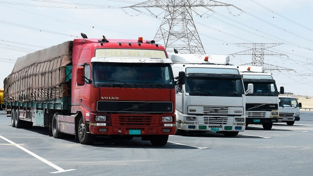 Truck traffic is prohibited on Sheikh Zayed Road from 7 am to 11 pm