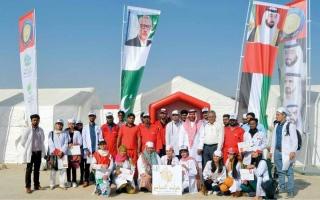 الصورة: أطباء الإمارات يعالجون فقراء في قرى باكستانية