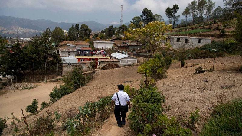 تعاني القرية كبقية المناطق من الفقر والبطالة.  أرشيفية