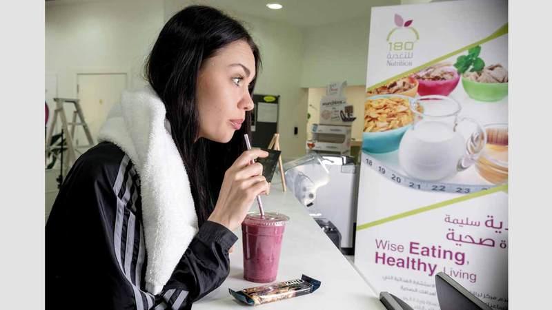 القصير أكدت أهمية تناول العصائر غير الحمضية والسكرية الخفيفة. الإمارات اليوم