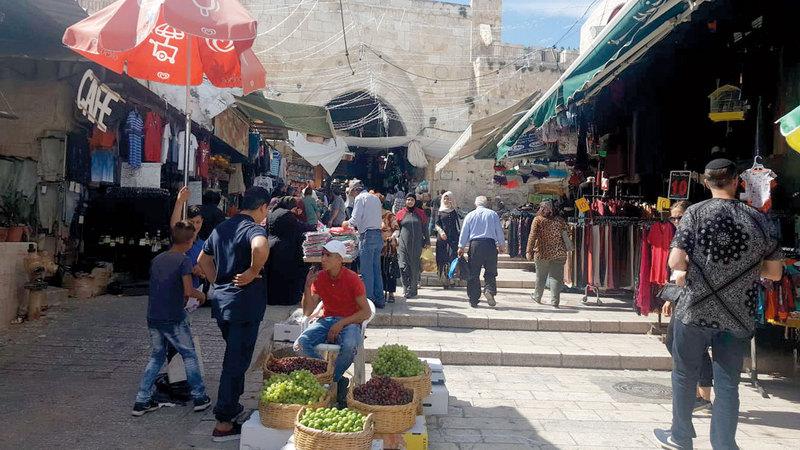 أسواق القدس تشتكي قلة الزائرين بفعل قيود الدخول. الإمارات اليوم