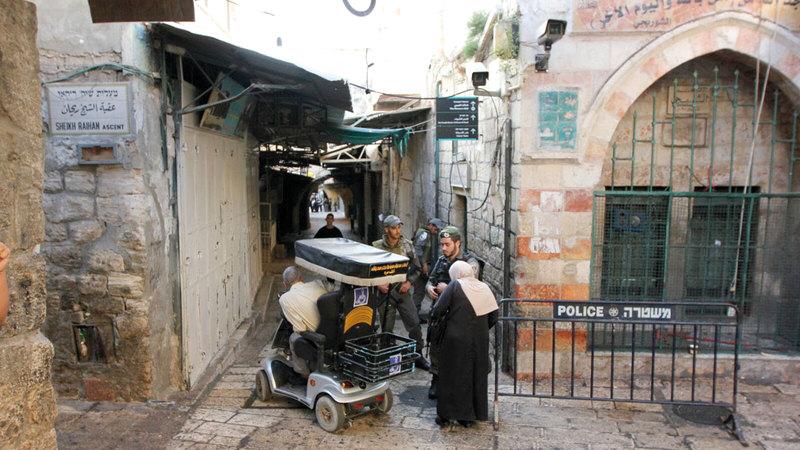 إجراءات الشرطة الإسرائيلية تقيد وصول أهالي الداخل إلى القدس. الإمارات اليوم