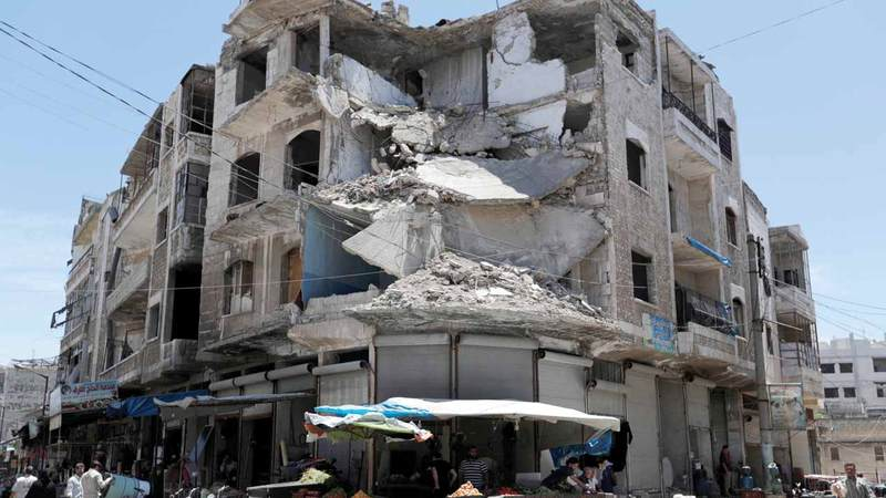 الدمار ينتشر بشكل واسع في إدلب.  رويترز