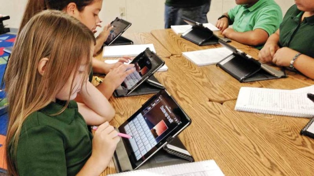 «المعرفة»: صفر% نسبة الطلبة المواطنين في المدارس ضعيفة الأداء - الإمارات اليوم
