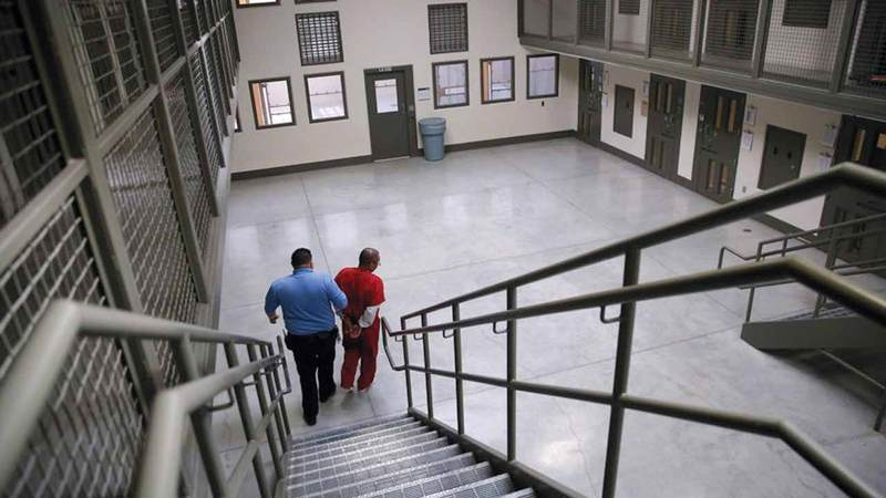 عدد النزلاء في السجون الأميركية زاد بنسبة 500٪  على مدار الـ40 سنة الماضية.  غيتي