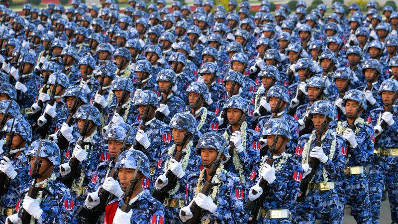 متحدث باسم الجيش العميد زاو مين تون أكد أن عمليات الجيش كانت ضمن القانون و«تجنبت إيذاء المدنيين».  أ.ف.ب