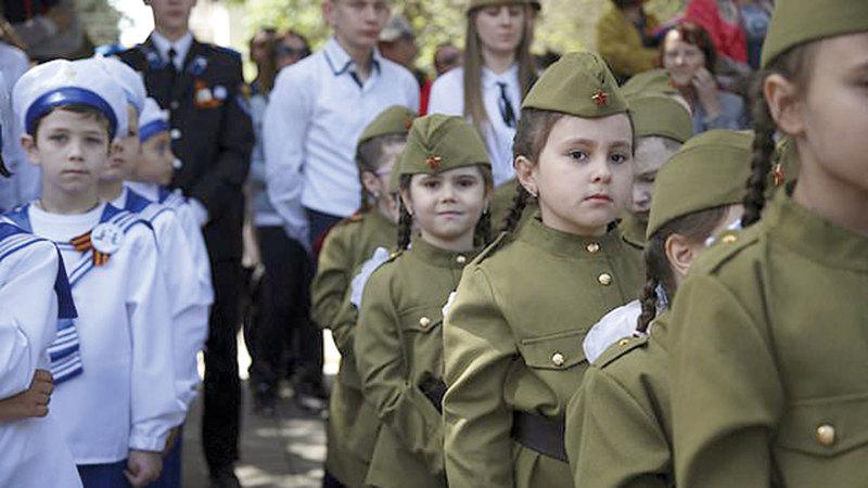 «أبناء بوتين» يمارسون التدريبات العسكرية. من المصدر