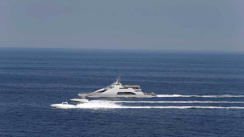 صورة أرشيفية لقارب تابع للحرس الثوري الإيراني يشارك في مناورات.  رويترز
