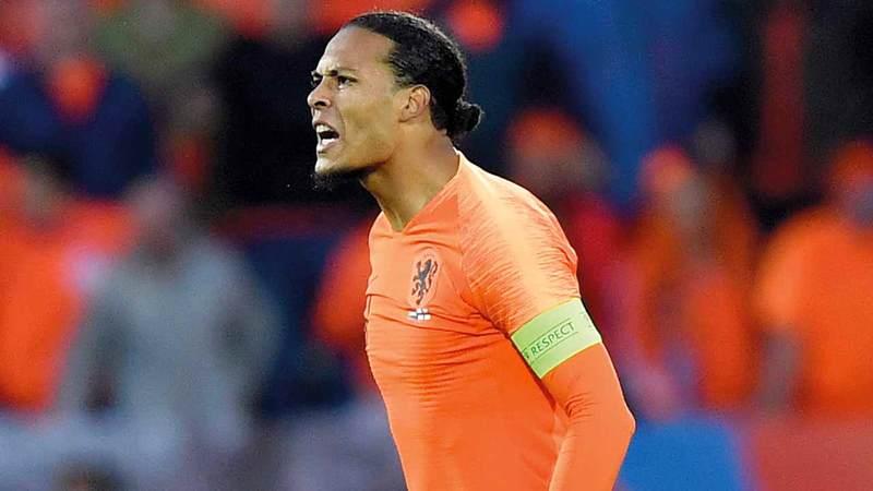 فان دايك يحلم بأول لقب مع هولندا اليوم.  أ.ب