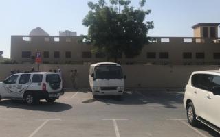 الصورة: شرطة دبي تكشف ملابسات وفاة طفل داخل حافلة مركز تحفيظ قرآن