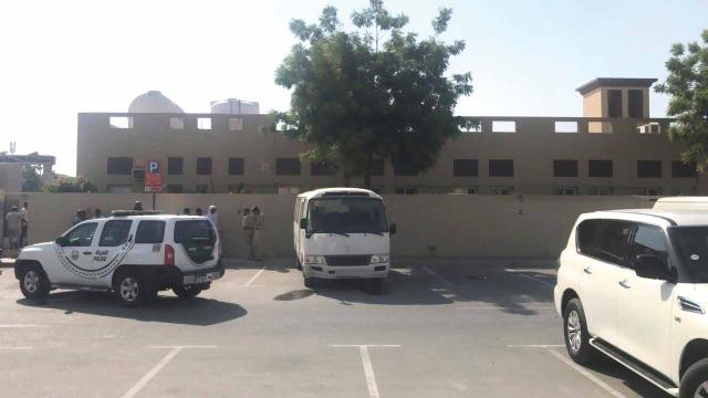 وفاة طفل منسي داخل حافلة تابعة لمركز تعليمي - الإمارات اليوم
