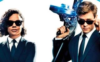 الصورة: «رجال ذوو سترات سوداء» يتصدّر إيرادات السينما الأميركية