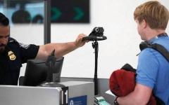 الصورة: الأميركيون قلقون من استخدام تقنية التعرف إلى الوجوه في المطارات والأسواق