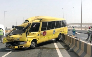 إصابة 14 شخصاً بينهم طلبة بحادثَي تصادم في أبوظبي