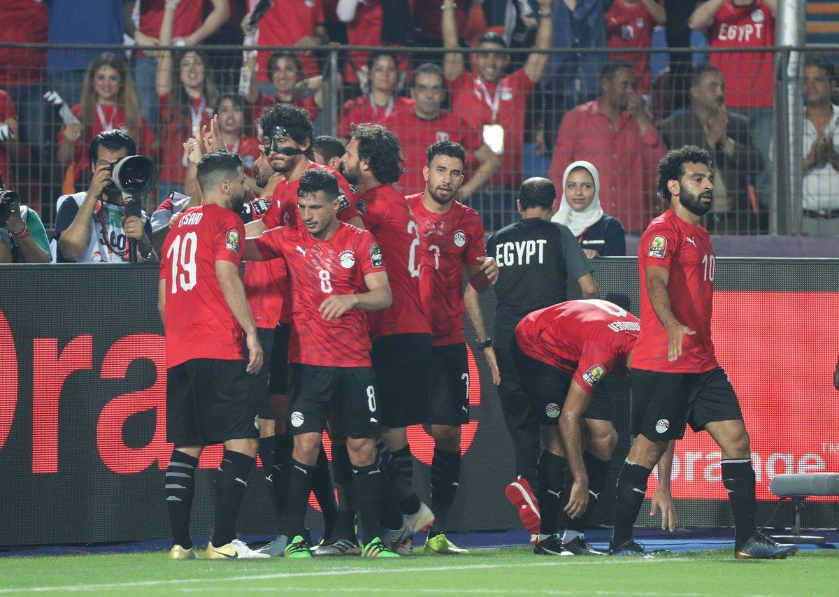 المحمدي يرفع رقم عمرو ورده أمام الجمهور في حضور زملائه