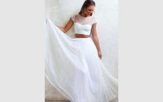 الصورة: فستان الزفاف ثنائي القطعة أحدث صيحات الموضة