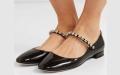 الصورة: باليرينا ماري جين.. نجم أحذية الصيف