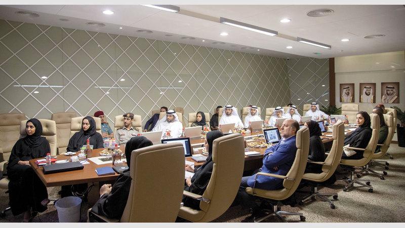 أعضاء «شبكة دبي للدبلوماسية الإعلامية والاتصال الاستراتيجي» خلال الورشة. من المصدر