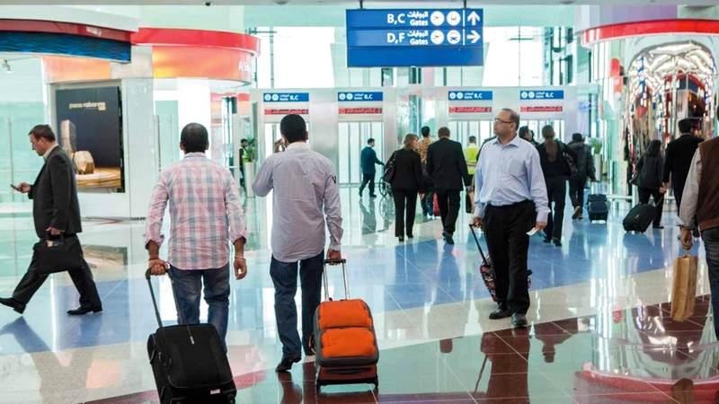 خبراء: قضاء الإجازات في الخارج يتطلب اتخاذ مجموعة من الإجراءات يجب على المسافرين مراعاتها. أرشيفية