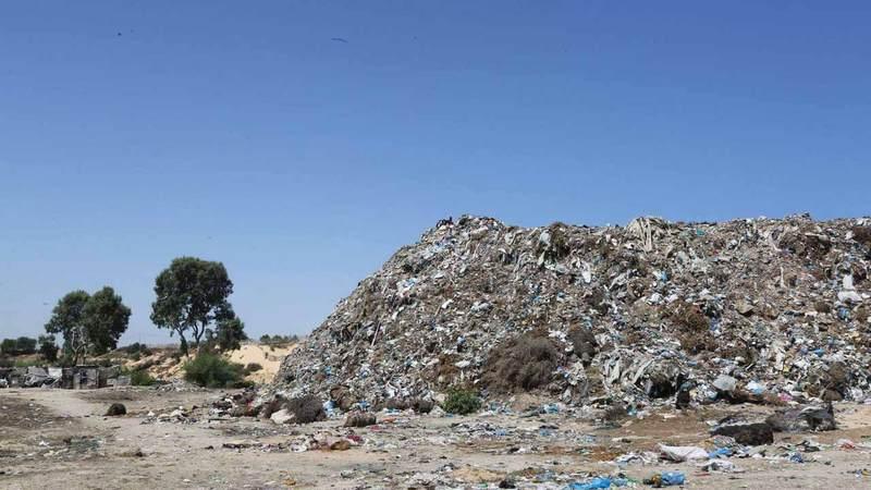 مكب النفايات يفاقم معاناة عائلات مخيم نهر البارد. الإمارات اليوم