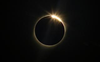 الصورة: بالصور.. كسوف كلي للشمس في أميركا الجنوبية