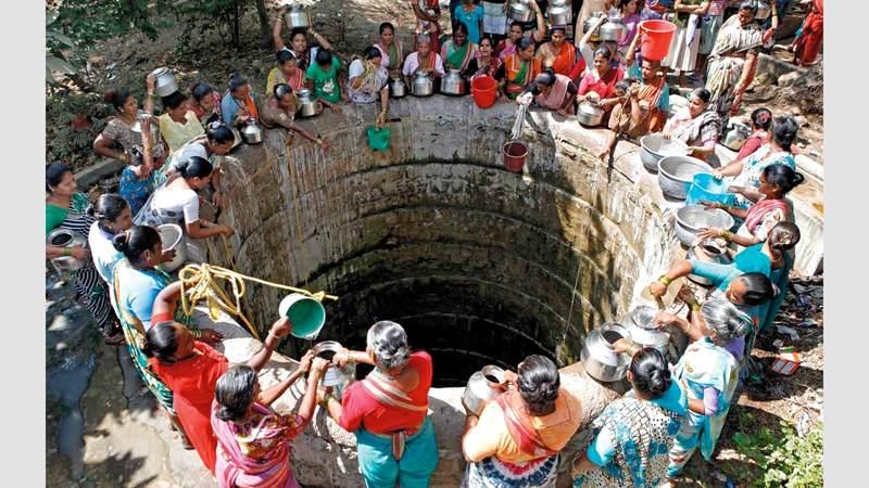 سكان المناطق المنكوبة لا يكادون يجدون ماء للشرب. أرشيفية