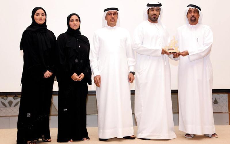 الصورة: «محاكم دبي» و«إسـلامية دبي» و«الإمارات اليوم» تكرِّم داعمي مبادرة «ياك العون»