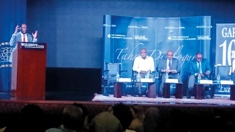 جانب من الندوة التي ناقشت مستقبل ثورة السودان.  الإمارات اليوم