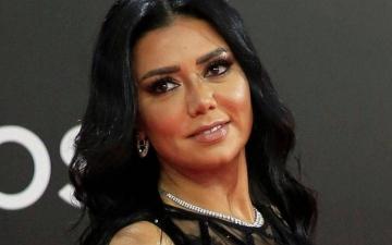 """الصورة: رانيا يوسف تثير أزمة جديدة بتعليقها على """"ولاية المرأة"""" في السعودية"""