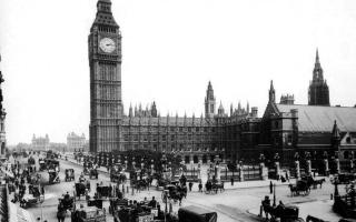 """الصورة: بالصور.. أعمال ترميم """"بيج بن"""" في ذكرى مرور 160 عاما على قرع جرسها"""