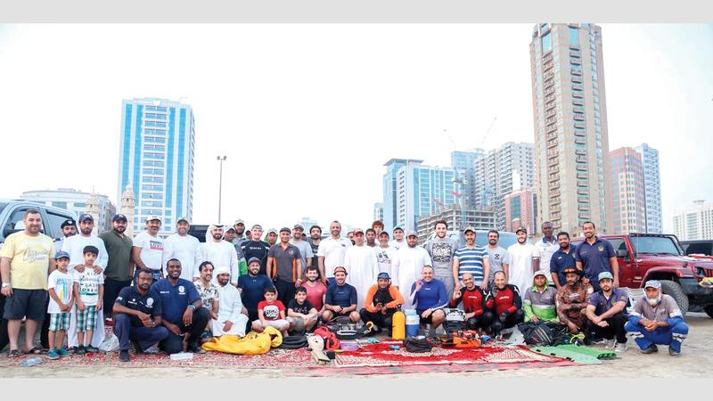 فريق «إنقاذ الإمارات» يضمّ متطوّعين من مختلف الجنسيات. الإمارات اليوم