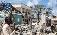 الصورة: 26 قتيلاً بهجوم مسلح على فندق في الصومال