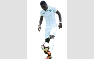 الصورة: نادي الإمارات يتعاقد مع لاعب منتخب رواندا «حكيمو»