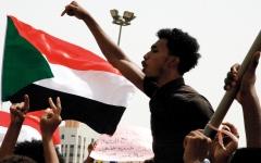 الصورة: «العسكري» و«الحرية والتغيير» يؤجلان الجولة الثانية من محادثات السودان