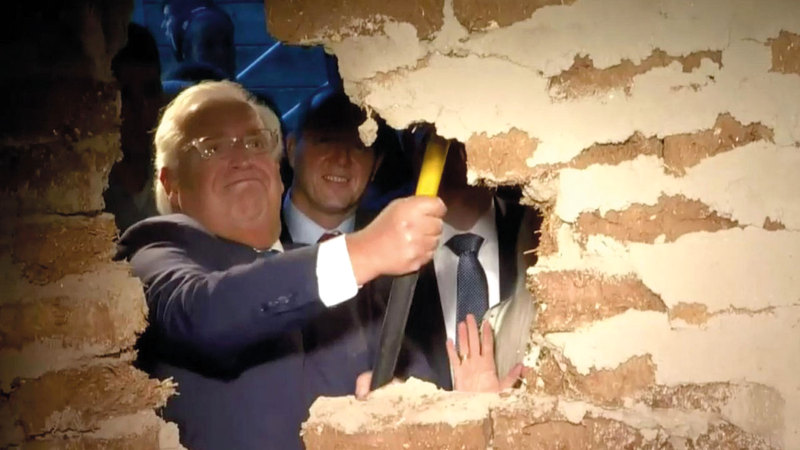 السفير الأميركي في إسرائيل خلال مشاركته في تدشين النفق. من المصدر