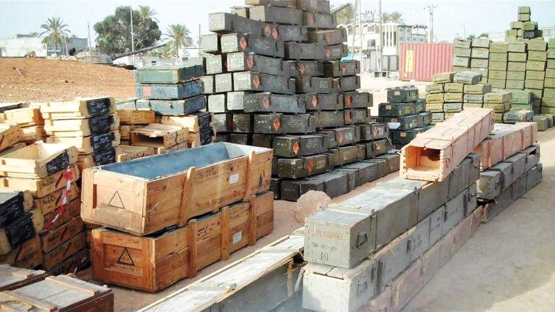 واحدة من شحنات الأسلحة التي تم ضبطها في طريقها إلى ليبيا.  أرشيفية