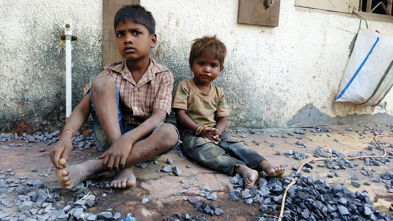 التقرير أظهر أن الأطفال كانوا يعانون الفقر على نحو أكثر شدة من البالغين.  أرشيفية
