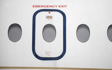 الصورة: أغرب 6 مواقف لركاب الطائرات !