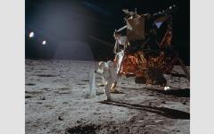 الصورة: الاتحاد السوفييتي يجبر أميركا على  الذهاب إلى القمر وغزو الفضاء