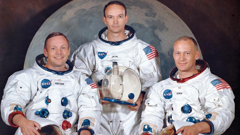 طاقم روّاد الفضاء من اليسار إلى اليمين: أرمسترونغ ومايكل كولينز وألدرين. أ.ب
