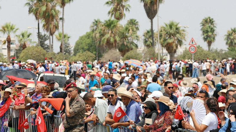 التونسيون احتشدوا لوداع السبسي. أ.ف.ب