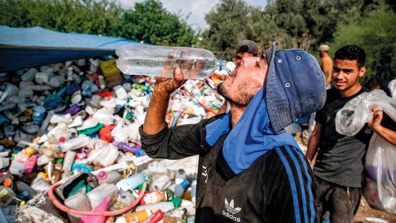الفلسطينيون يعيشون في فقر مدقع.  أ.ف.ب