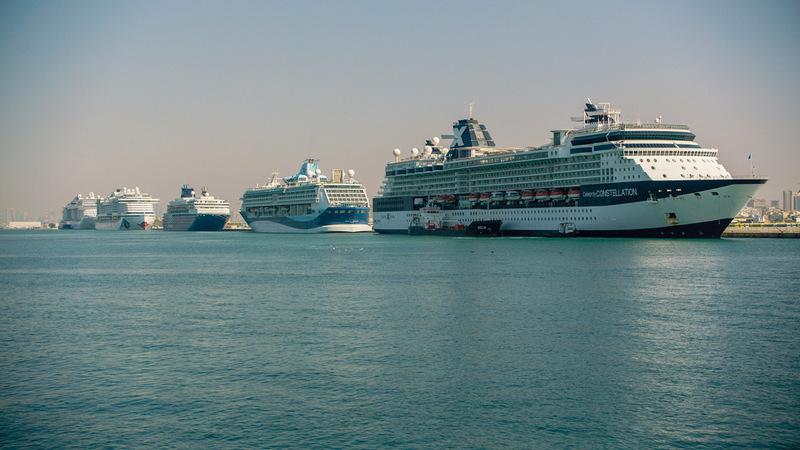 الموسم السياحي شهد حدثاً استثنائياً باستقبال 14 سفينة سياحية في أول رسوّ لها بدبي. من المصدر