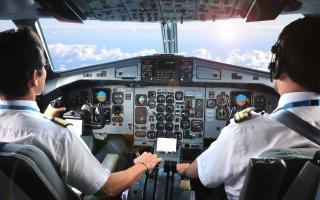الصورة: كم يتقاضى الطيارون شهرياً؟