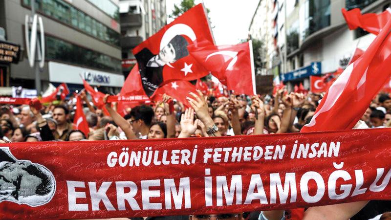 انتخابات إسطنبول جسدت واقع الأزمات التي تعيشها أحزاب قضت سنوات طويلة في السلطة.  أرشيفية