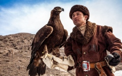 الصورة: تعرف على طرق الصيد بالصقور في كازاخستان