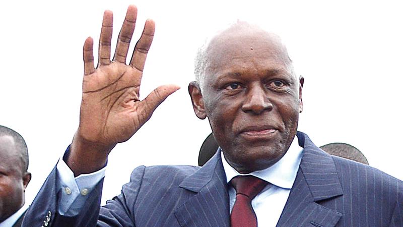 والد إيزابيل الرئيس خوسيه إدواردو دوس سانتوس حكم أنغولا 38 عاماً. أرشيفية