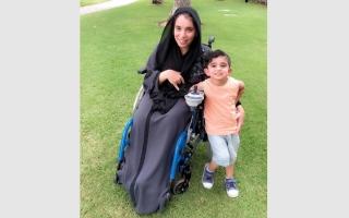 الصورة: سارة القبيسي.. إماراتية تحدّت إعاقتها بالرياضة والعلم والعمل