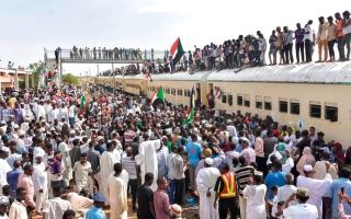«قطار الثورة» من عطبرة يشارك في الاحتفالات